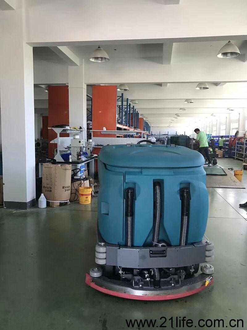 洁驰洗扫一体机,大型洗扫一体机,大型扫洗一体机,大型洗地扫地吸干一体机,大型扫地洗地吸干机一体机,大型驾驶式拖地机,大型驾驶式扫地机,大型驾驶式洗地车