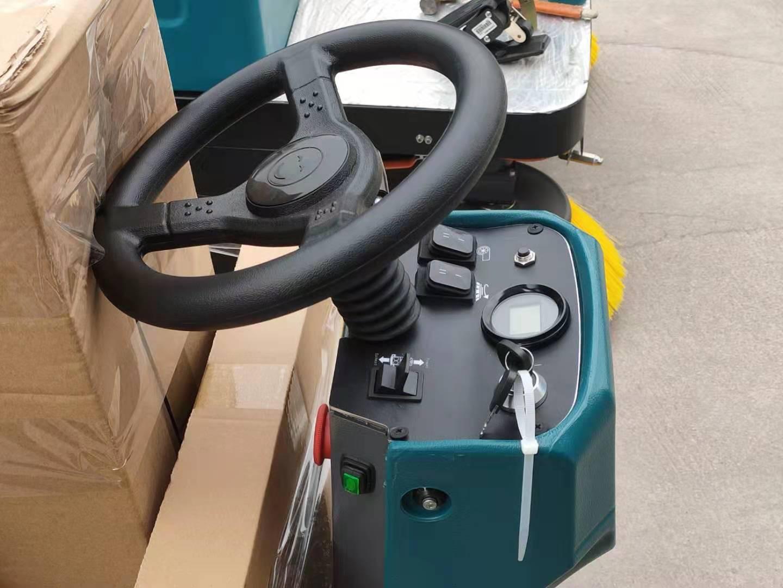 洁士S50驾驶式洗地机/洁士S50驾驶式洗地车/洁士M4驾驶式扫地机/M4驾驶式扫地车(9)