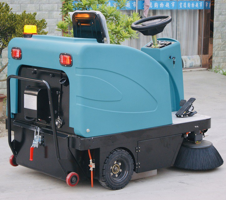 洁士M4驾驶式扫地机,洁士M4驾驶式扫地车,洁士M4驾驶式清扫车,洁士M4驾驶式扫路车